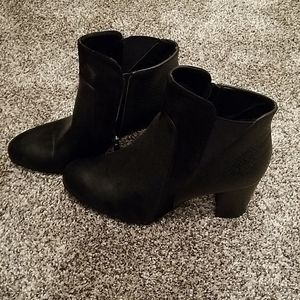 Black Maurices Ankle Boot